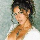 Vica Andrade - 205 x 250