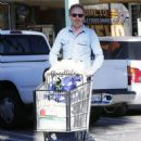 Tyler Ferguson does some solo grocery shopping at Whole Foods in West Hollywood, Calfiornia on January 5, 2015 - 454 x 585