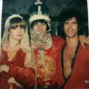 Ron Wood and Jo Wood with Keith - 454 x 446