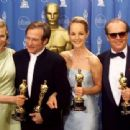 Kim Basinger, Robin Williams, Helen Hunt and Jack Nicholson At The 70th Annual Academy Awards (1998) - 454 x 340