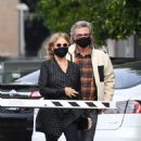 Goldie Hawn – And husband Kurt Russell go out for a lunch in Santa Monica - 454 x 681
