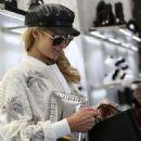 Paris Hilton – Out in Milan - 454 x 582