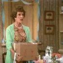 Mama's Family - Carol Burnett - 300 x 230