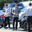 Nick Lachey is seen out enjoying lunch on March 31, 2016 - 454 x 415