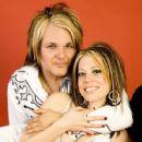 Rikki & Melanie - 454 x 427
