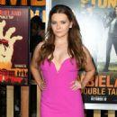 Abigail Breslin – 'Zombieland: Double Tap' Premiere in Westwood - 454 x 590