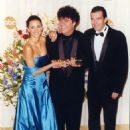 Penelope Cruz, Pedro Almodovar and Antonio Banderas At The 72nd Annual Academy Awards - Press Room (2000) - 454 x 645