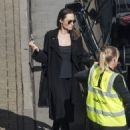 Angelina Jolie at London's Heathrow airport (May 17, 2018) - 454 x 619