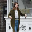 Rose Leslie – Picking up some groceries in London - 454 x 681