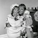 Carol Burnett and Ken Barry In The 1972 Television Speical ONCE UPON A MATTRESS - 371 x 480