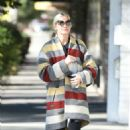 Ashlee Simpson wears a colorful coat to the gym in LA - 454 x 751