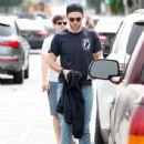 Robert Pattinson Out in LA (March 16, 2015 ) - 436 x 600