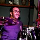 Jeremy Piven surprises Hyde Bellagio revelers with an impromptu drum set during New Year's Eve celebrations - 454 x 302