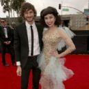 Grammys 2013: Singer Wins Best Alternative Music Album, Best Pop Duo/Group Performance - 333 x 500