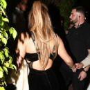 Jennifer Lopez – Arrives at Casa Tua Restaurant in Miami - 454 x 681