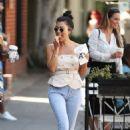 Kourtney Kardashian – Seen Out in Los Angeles - 454 x 681