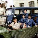 Le gendarme et les gendarmettes - 454 x 360