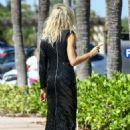 Karolina Kurkova on a photoshoot in Miami - 454 x 642
