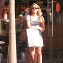 ESti in the streets of Tel Aviv - 08/2009