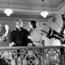 Director Curtis Hanson with Michael Douglas and Frances McDormand on the set of Paramount's Wonder Boys - 2/2000 - 400 x 263