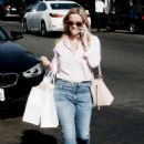 Reese Witherspoon – Shopping on Melrose Place in Los Angeles - 454 x 682
