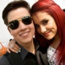 Ariana Grande and Nathan Kress - 400 x 300