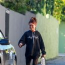 Sarah Hyland – Returns to her car in Beverly Hills