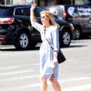Claire Danes – Hail a cab in New York City - 454 x 594