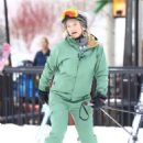 Kate Hudson – On the slopes in Aspen