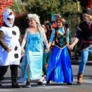 Josh Gad, Idina Menzel, Kristen Bell and Jonatahn Groff – Perform a 'Frozen' skit in traffic outside CBS Studios