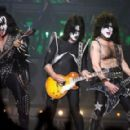 Gene Simmons of Kiss performs during the VH1 Rock Honors at the Mandalay Bay Events Center on May 25, 2006 in Las Vegas, Nevada - 454 x 289