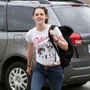 Kristen Stewart - Los Angeles Candids, 08.06.2009.