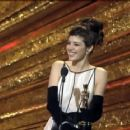 Marisa Tomei At The 65th Annual Academy Awards (1993) - 454 x 363