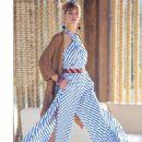 Elle Italy April 2016 - 454 x 587