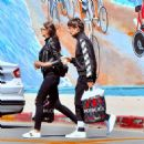 Louis Tomlinson and Eleanor Calder - 454 x 474