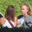Kendra Wilkinson – Out for a lunch