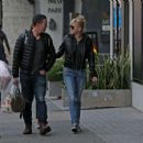 Anna Faris and Michael Barrett – Christmas shopping in Los Angeles - 454 x 437