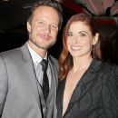 Debra Messing and Will Chase - 366 x 549