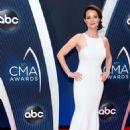 Kimberly Williams-Paisley – 52nd Annual CMA Awards in Nashville - 454 x 681