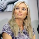 Lucie Borhyová - 454 x 646