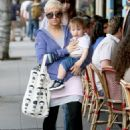 Christina Aguilera Leaves A Resturant In Los Feliz, 2009-03-03