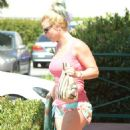 Britney Spears Out For Lunch In Westlake Village