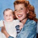 Rita Hayworth - 454 x 589