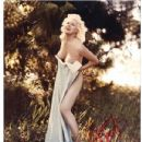 Bunny Yeager - 432 x 518