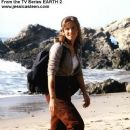 Jessica Steen as Dr. Julia Heller in Earth 2 - 381 x 534