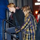 December 8, 2017 - Taylor Swift and Joe Alwyn arriving at her apartment in New York City - 454 x 465