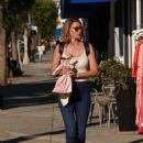 Susan Holmes – Shopping in Los Angeles - 454 x 605