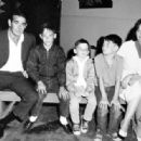Stuart, Tony, Scott, Michael and first wife Patricia - 454 x 316