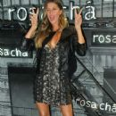 Gisele Bundchen – Rosa Cha Summer Collection Lauch Event in Sao Paulo - 454 x 745