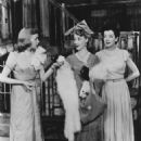 Wonderful Town Original 1953 Broadway Cast Starring Rosalind Russell - 454 x 589